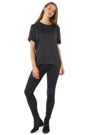 SILK VS PEACH SKIN BOYFRIEND TEE  BLACK