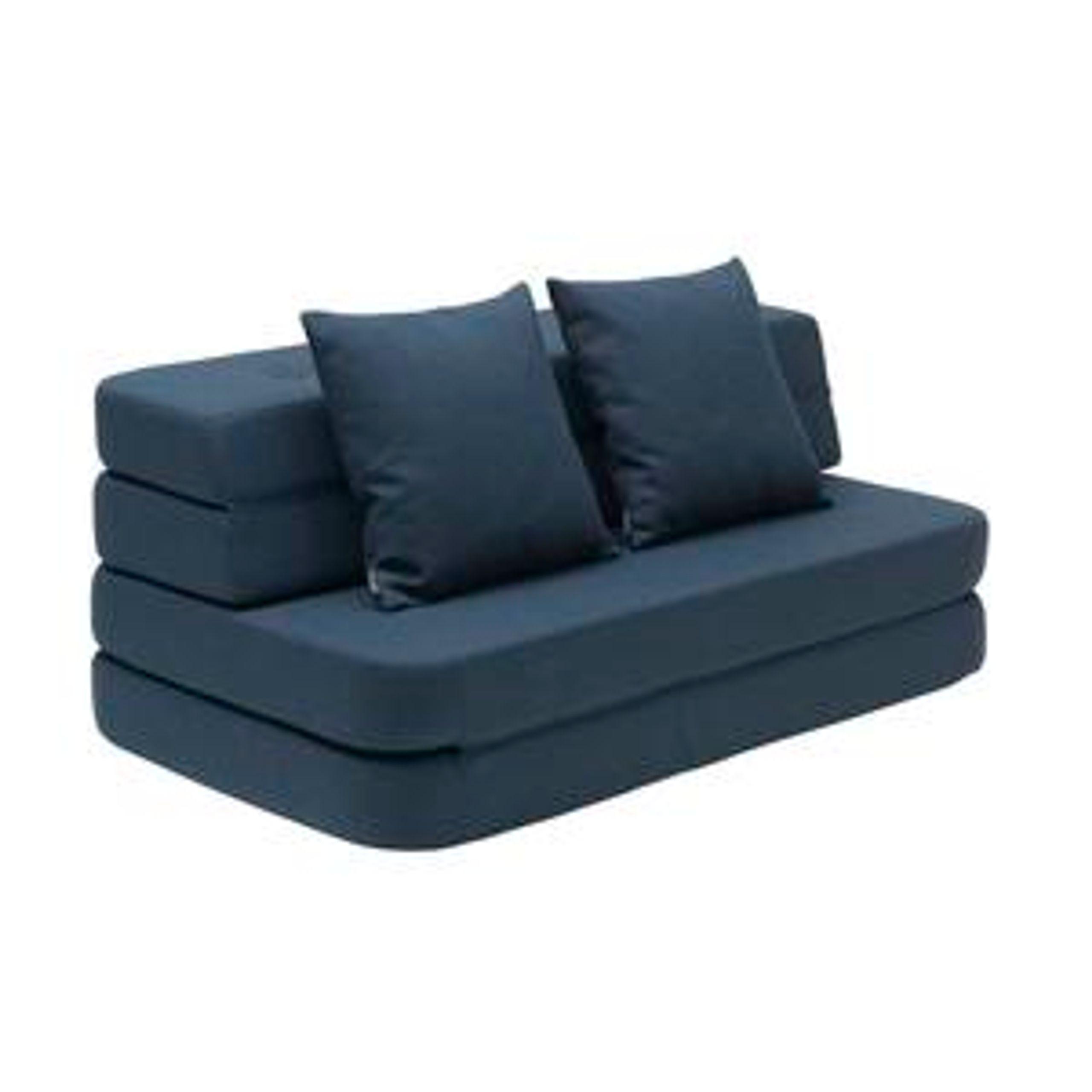 Image of   KK 3 fold sofa w. buttons
