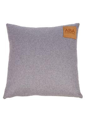 ABA - Design & Lliving - Pude - A Pillow - Nude / Light Grey