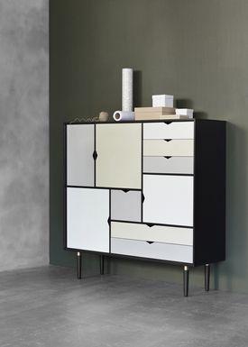 Andersen Furniture - Skænk - S3 Sideboard - Sort Med Farvede Fronter