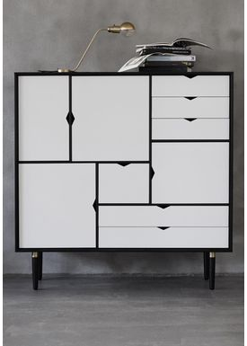 Andersen Furniture - Skænk - S3 storage sideboard - B130 x D43 x H132 cm