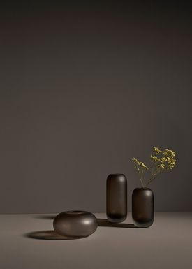 AYTM - Vase - HYDRIA - Low - Walnut