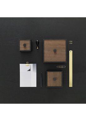 By Lassen - Kasser - Frame 20 - Røget Eg
