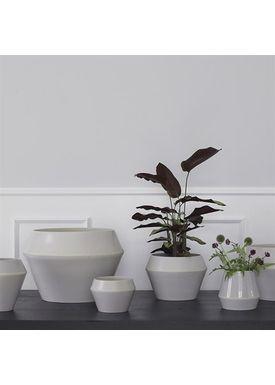 By Lassen - Urtepotte - Rimm Flowerpot - Cool Grey Mega