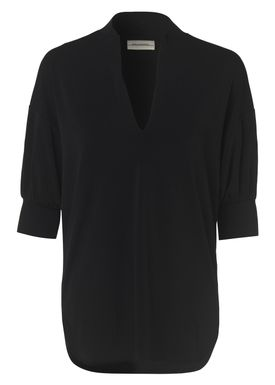 By Malene Birger - T-shirt - Billum - Black