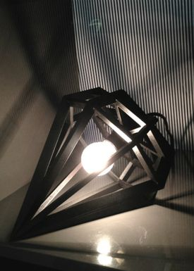 Tvåfota Designduo - Lampe - Döden Lampe - Medium - Sort