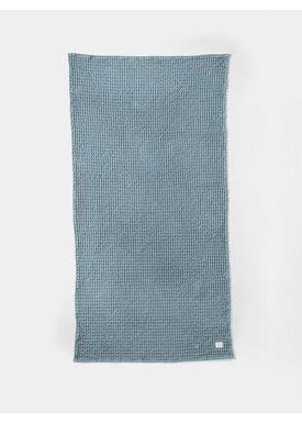 Ferm Living - Håndklæde - Organic Bath Towel - Støvet blå