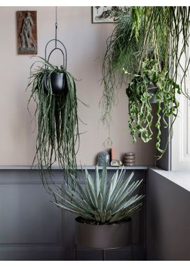 Ferm Living - Mobile - Hanging Deco Pot - Balck