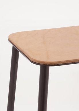 FRAMA - Bænk - Adam Bench - Natural Leather / Matt black / L120