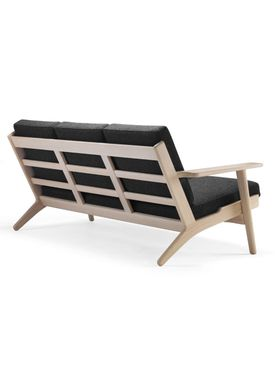 Getama - Couch - 290 / 3 seater / by Hans J. Wegner - Oak