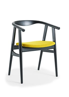 Getama - Chair - GE525 / The U-Chair / by Hans J. Wegner - Black / Beechwood / Stained