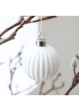 House Doctor - Julekugle - Pleated Christmas Ornament - White