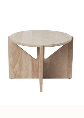 Kristina Dam - Bord - Table - Eg