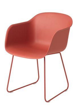Muuto - Stol - Fiber Chair - Sled Base - Støvet Rød/Støvet Rød