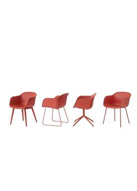 Muuto - Stol - Fiber Chair - Swivel Base - Støvet Rød/Støvet Rød