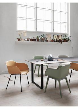 Muuto - Stol - Fiber Chair - Tube Base - Læder/Cognac Silke