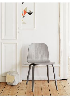 Muuto - Stol - Visu Chair - Wood Base - Grå ben/Steelcut Trio 133