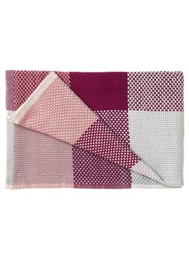 Muuto - Carpet - Loom Blanket - Red