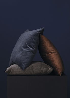 New Works - Pude - Velvet Cushion - By Malene Birger - Marine Blue