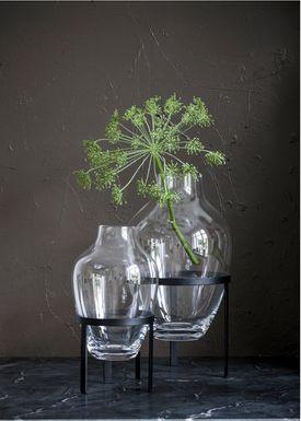 Nordstjerne - Vase - Glass Vase w. Stand - Large - Black stand