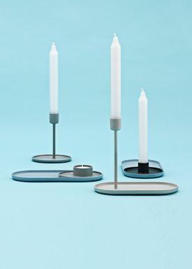 Normann Copenhagen - Lysestage - Folk Candlestick Tray - Lyseblå