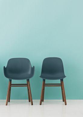 Normann Copenhagen - Stol - Form Armchair - Blå/Valnød