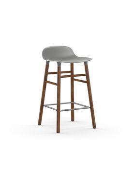 Normann Copenhagen - Stol - Form Barstool - 65 cm - Grå/Valnød