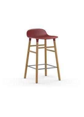 Normann Copenhagen - Stol - Form Barstool - 65 cm - Rød/Eg