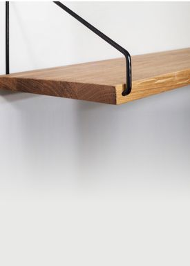 FRAMA - Shelf - Oak Shelf - 80 cm. - Oak/Black
