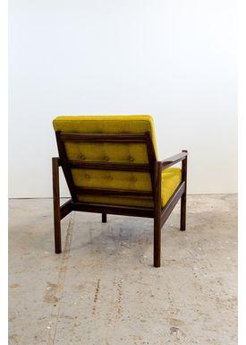 Risskov Møbelsnedkeri - Lænestol - KK 161 Chair - Valnød med Tonica 2 stof