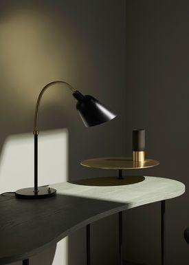 &tradition - Bordlampe - Bellevue / AJ8 af Arne Jacobsen - Sort og messing