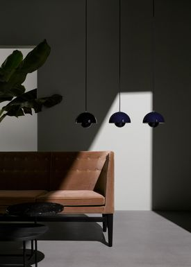&tradition - Lamp - Flowerpot Pendel VP1 by Verner Panton - Matt Black