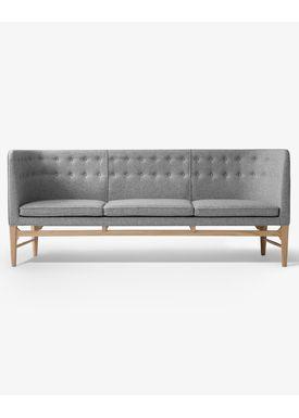 &tradition - Couch - Mayor Sofa by Arne Jacobsen & Flemming Lassen / AJ5 / AJ6 - AJ5 / 3 seater w. oak / L200
