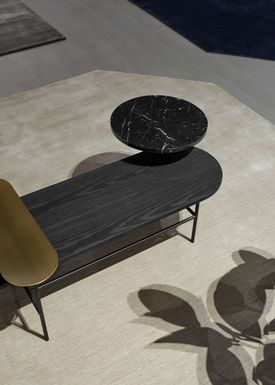 &tradition - Sofabord - Palette Table / JH6 / JH7 / JH8 - Brass, black Nero Marquina marble, black stained ash / JH7