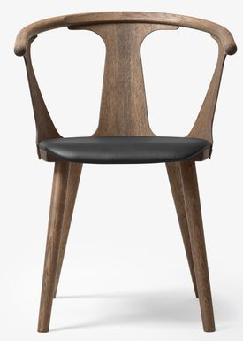 &tradition - Stol - In Between Chair / SK1 / SK2 - Smoked oiled oak with Black Silk leather / SK2
