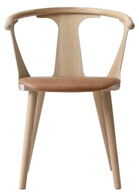 &tradition - Stol - In Between Chair / SK1 / SK2 - White oiled oak with Cognac Silk leather / SK2