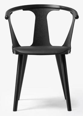 &tradition - Stol - In Between Chair / SK1 / SK2 - Black lacquered oak with Black Silk leather / SK2