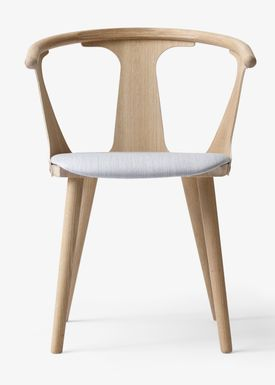 &tradition - Stol - In Between Chair - SK2 - H: 77 X B: 56 X D: 59 cm.