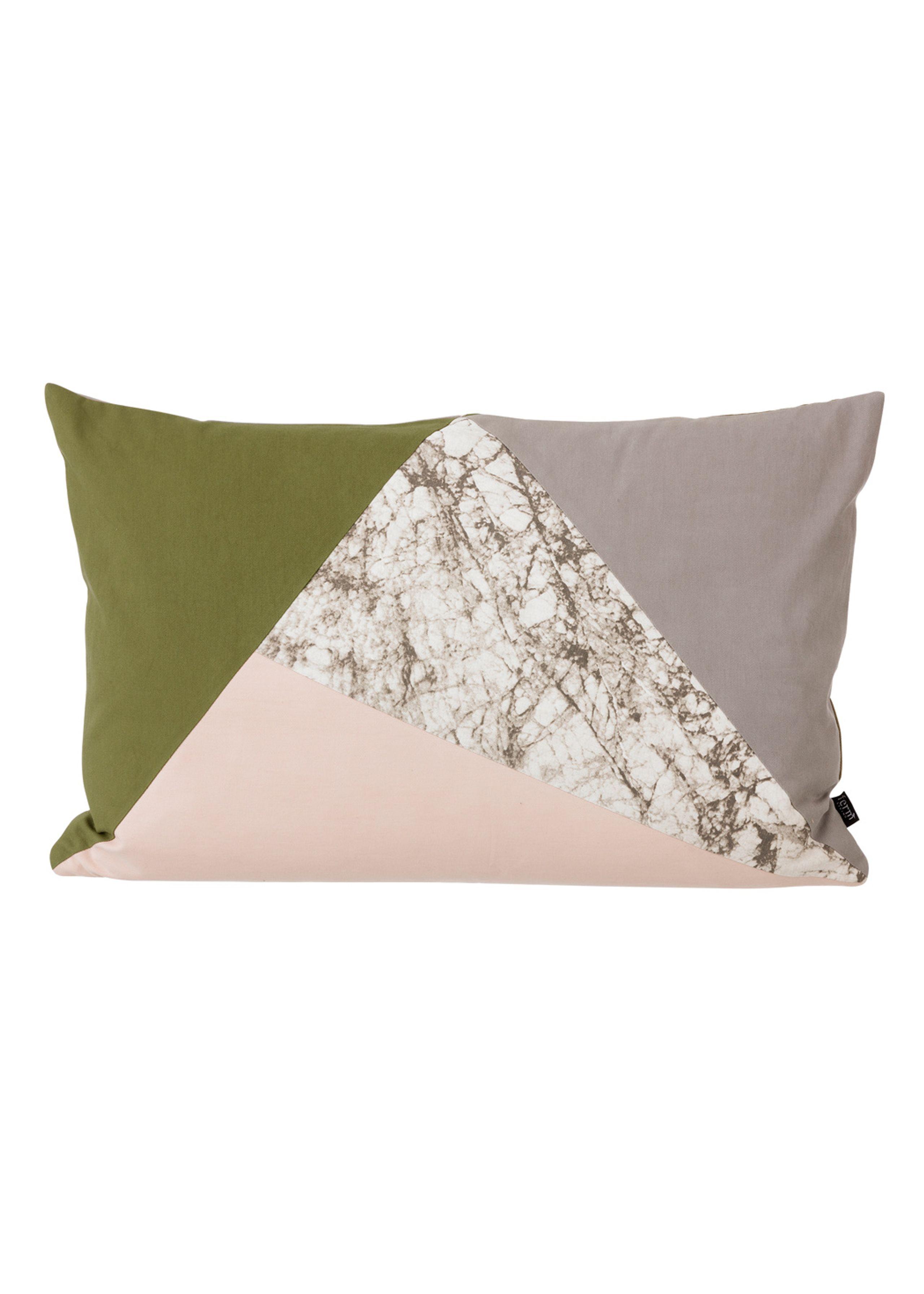 Fusion triangle cushion