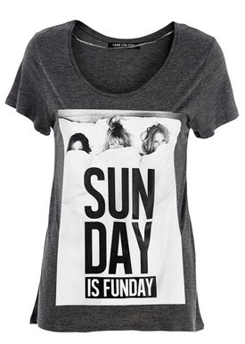 Fame on You Paris - T-shirt - Sunday is Funday - Mørkegrå