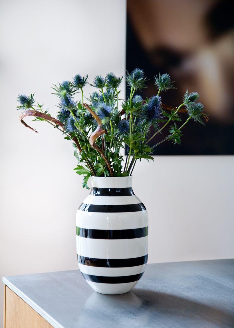 stor omaggio vase vase k hler. Black Bedroom Furniture Sets. Home Design Ideas