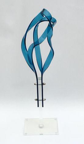 Skulptur i blå plexiglas Bronze