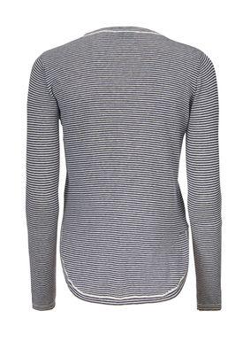 Shawn o-neck - T-shirt - Modström
