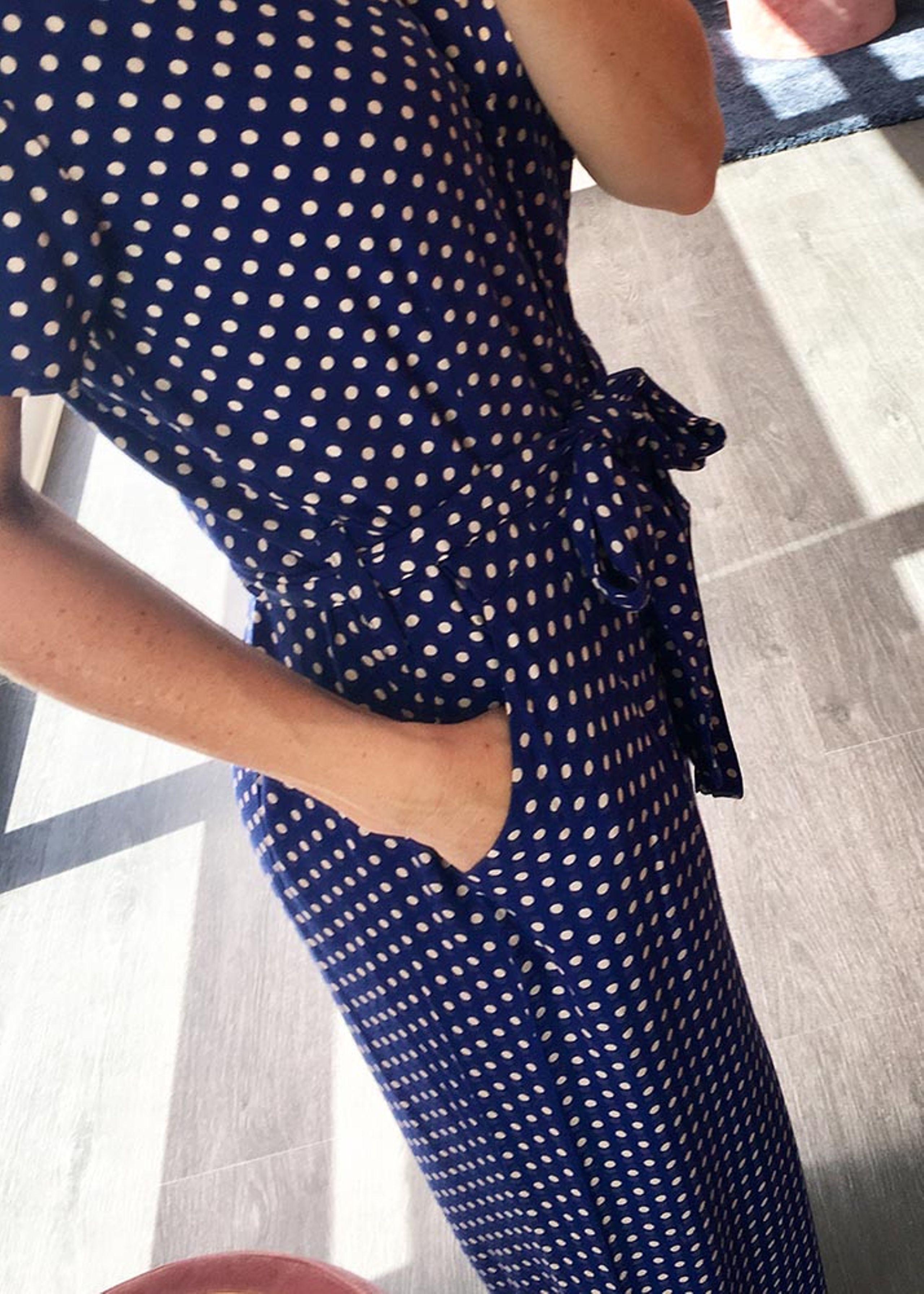 Jumpsuit kjole med polkaprikker   Kjoler, Jumpsuits og