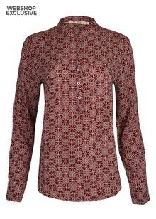 rue-de-femme-dot-shirt-red-2748713.jpeg