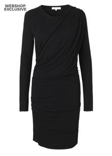 second-female-ado-dress-black-2199883.png