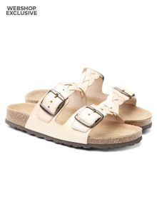 shoe-the-bear-cara-nude-8797600.jpeg