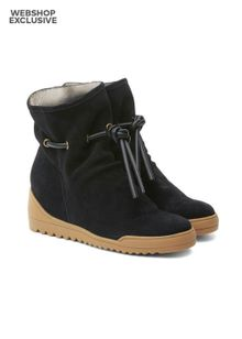 shoe-the-bear-line-fur-s-black-5715507.jpeg