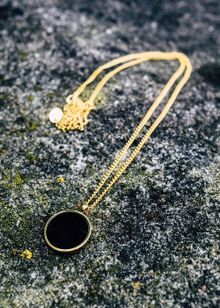 northern-legacy-black-onyx-pendant-gold-gold-9596147.jpeg